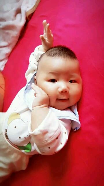 孩子三个月不会翻身_宝宝三个月还不会翻身怎么办幼儿护理论坛