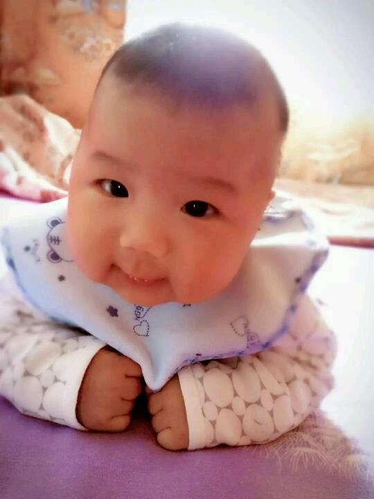 孩子三个月不会翻身_孩子满3个月了还不会翻身怎么办