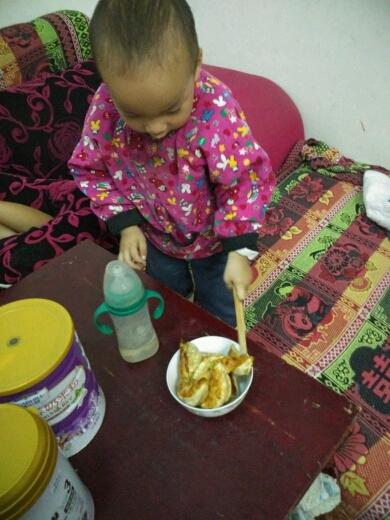 幼儿拿筷子方法步骤图