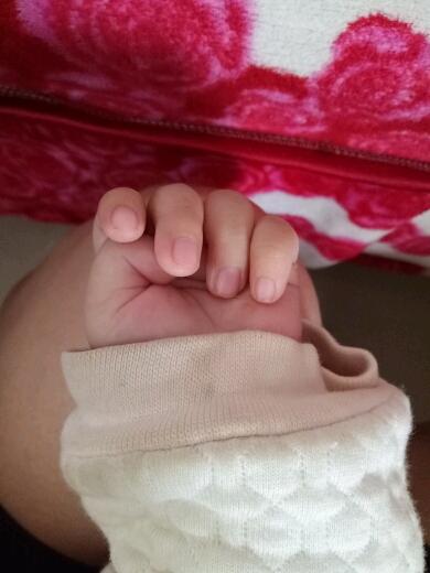 宝宝准备3个月了,大拇指还是内扣要紧吗