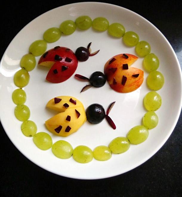 1楼 主题:水果拼盘~可爱的瓢虫宝宝
