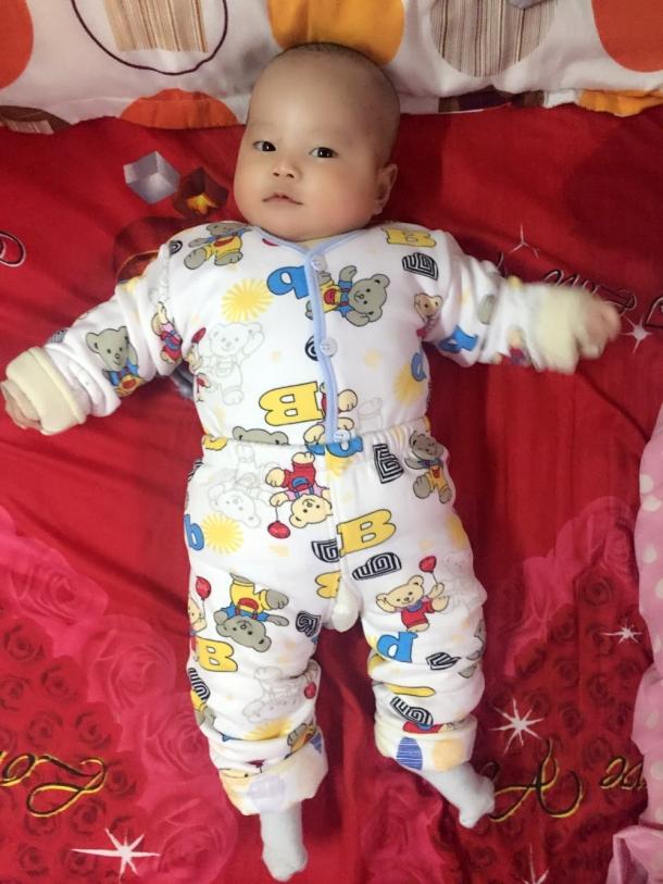 我家的小花猪 - 可爱宝宝论坛 - 育儿论坛 - 育儿网