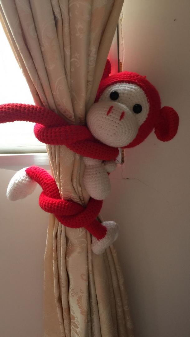 1楼 主题:钩针长臂猴,用来绑窗帘刚好