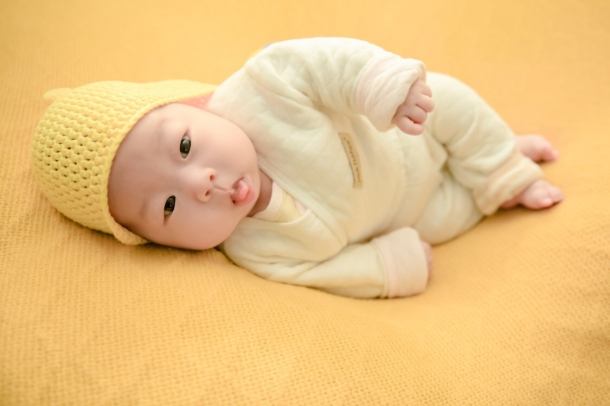 1楼 主题:宝宝的满月照!太可爱了!