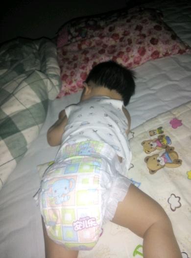 幼儿睡姿简笔画