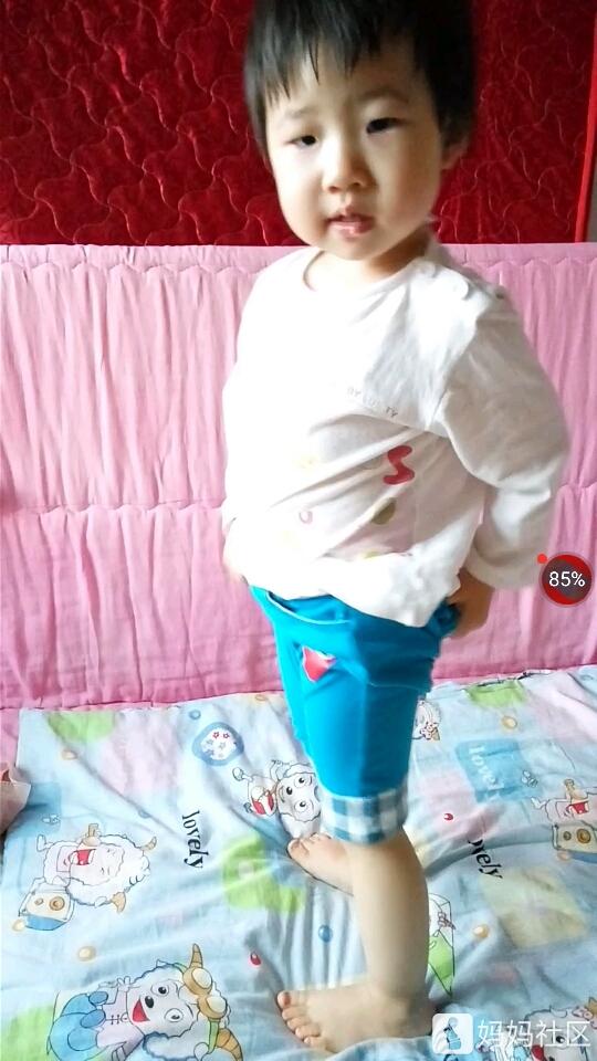 宝宝会穿裤子了 - 幼儿护理 - 育儿论坛 - 育儿网