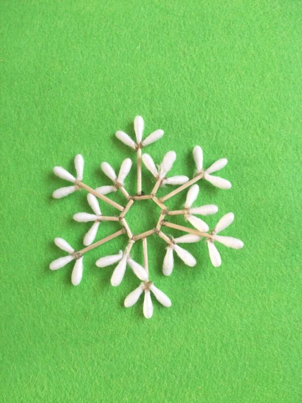 棉签雪花手工制作图片