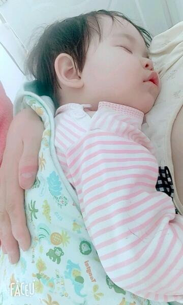 宝宝难受图片可爱